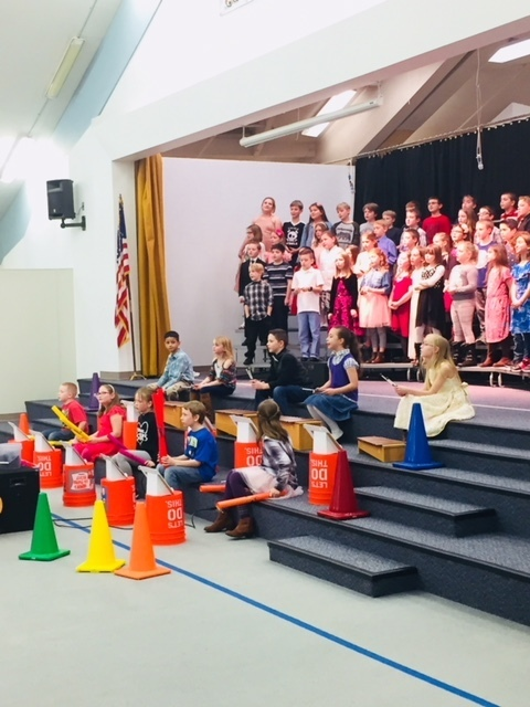 3rd graders perform.
